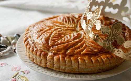 Order the finest Galette des rois for delivery, to celebrate the Epiphany!