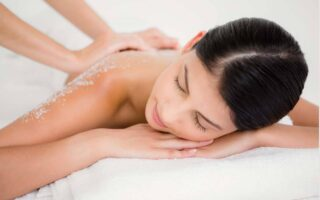 Top 5 Salt Body Scrub to Soothe & Calm Your Skin