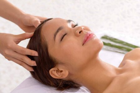 Top 5 Home Remedies to Keep Scalp Cool in Summer 2021