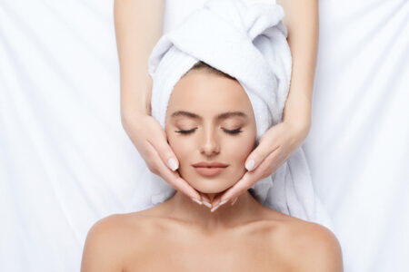 Top 10 Tips to Care Oily Skin During Monsoon 2021