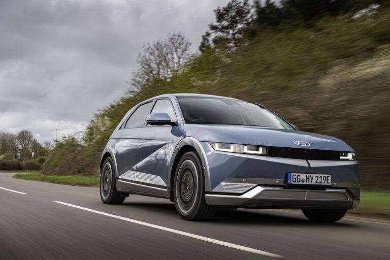 Hyundai Ioniq 5 driving - EVs Unplugged