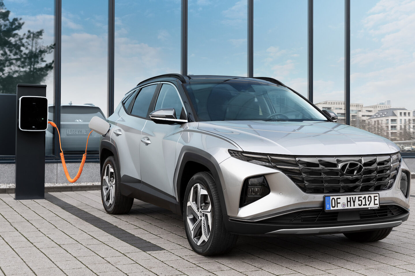 Hyundai Tucson plug-in hybrid charging - EVs Unplugged