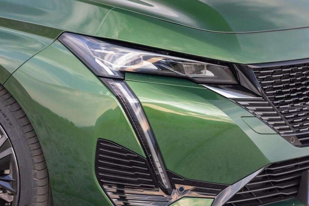 Peugeot 308 plug-in hybrid front light - EVs Unplugged