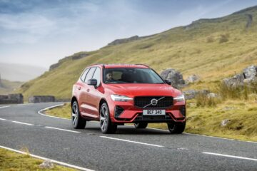 volvo xc60 recharge phev driving - EVs Unplugged