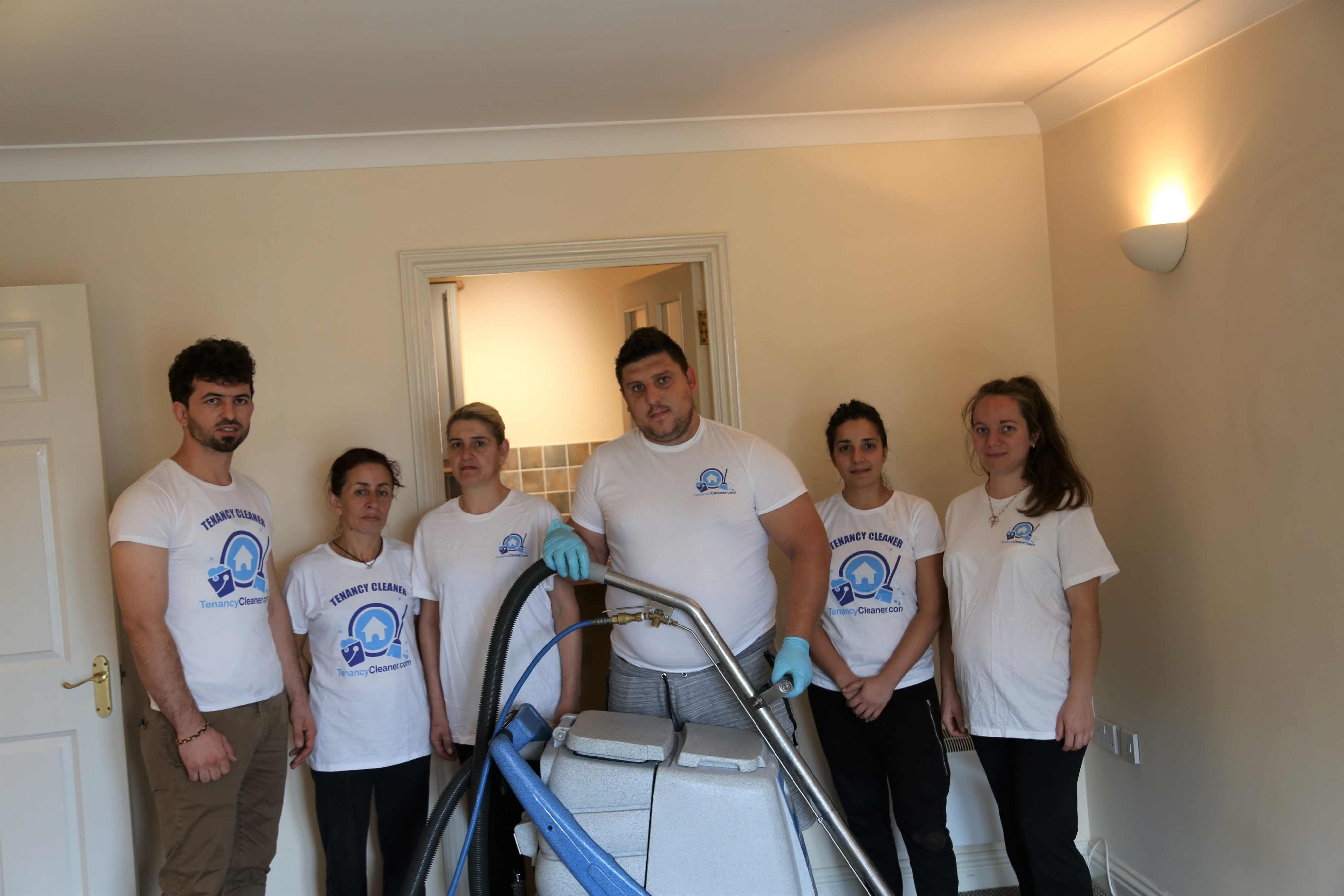 end of tenancy cleaning London team