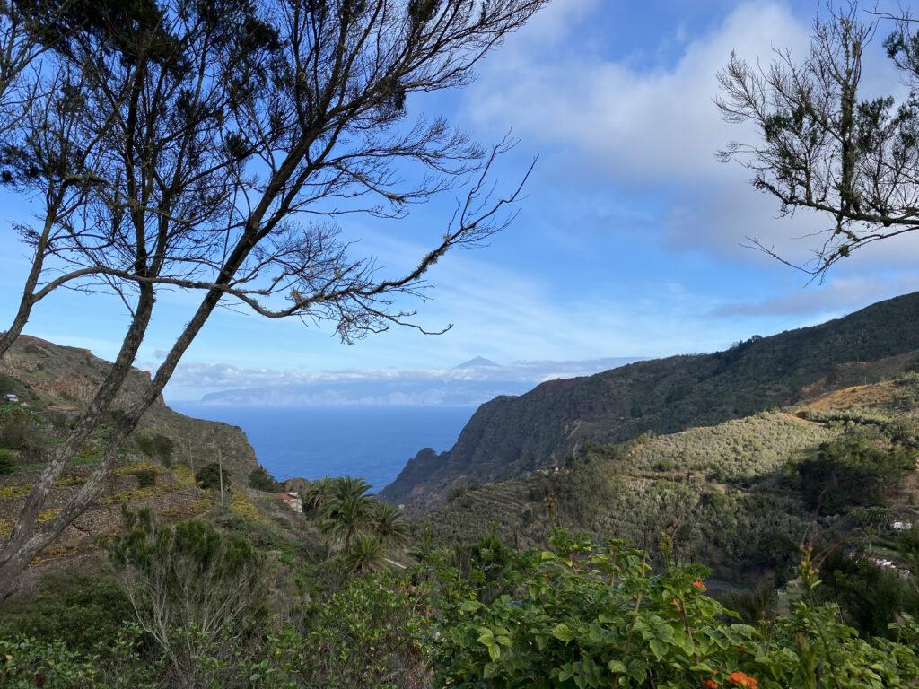 Valle de Hermigua met zicht op Tenerife