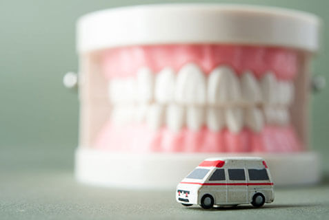 Emergency denture replacement