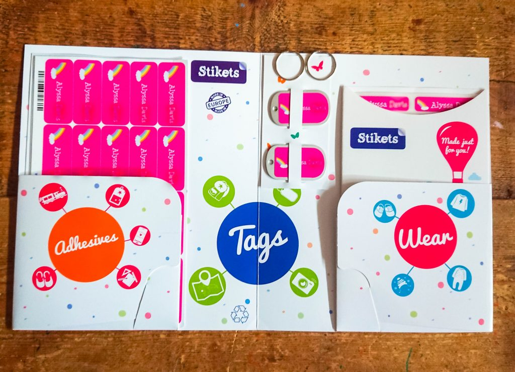 the open display pack of stikets name labels