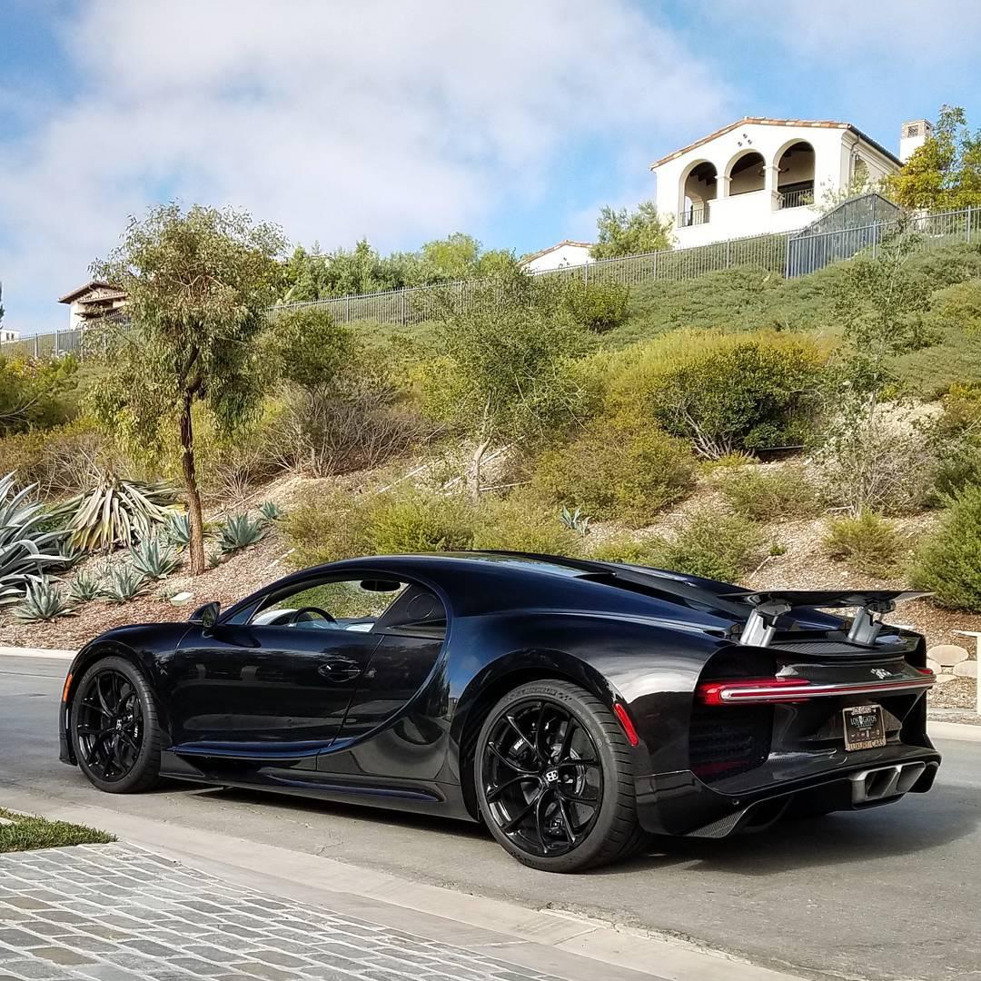 Bugatti Chiron Carbon