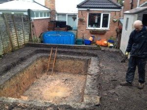 Construction of an outdoor pond