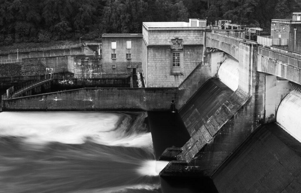 28 - Pitlochry Dam.jpg