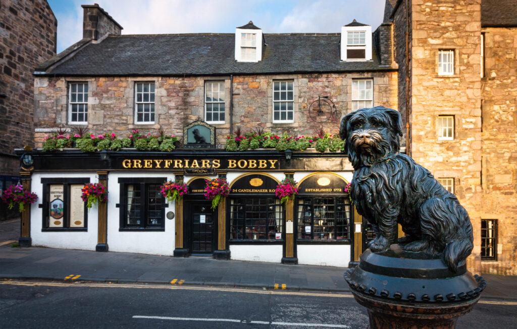 Greyfriars Bobby (colour).jpg