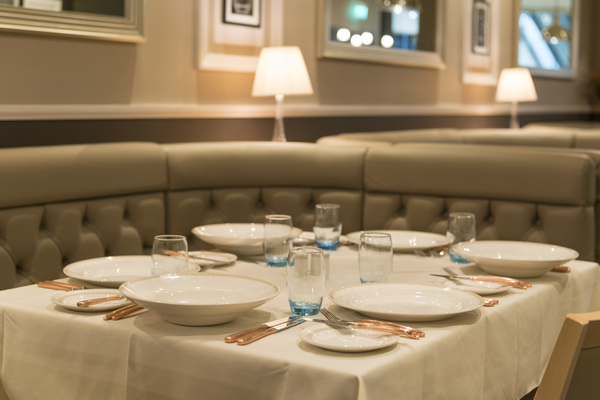 restaurant table midland linen