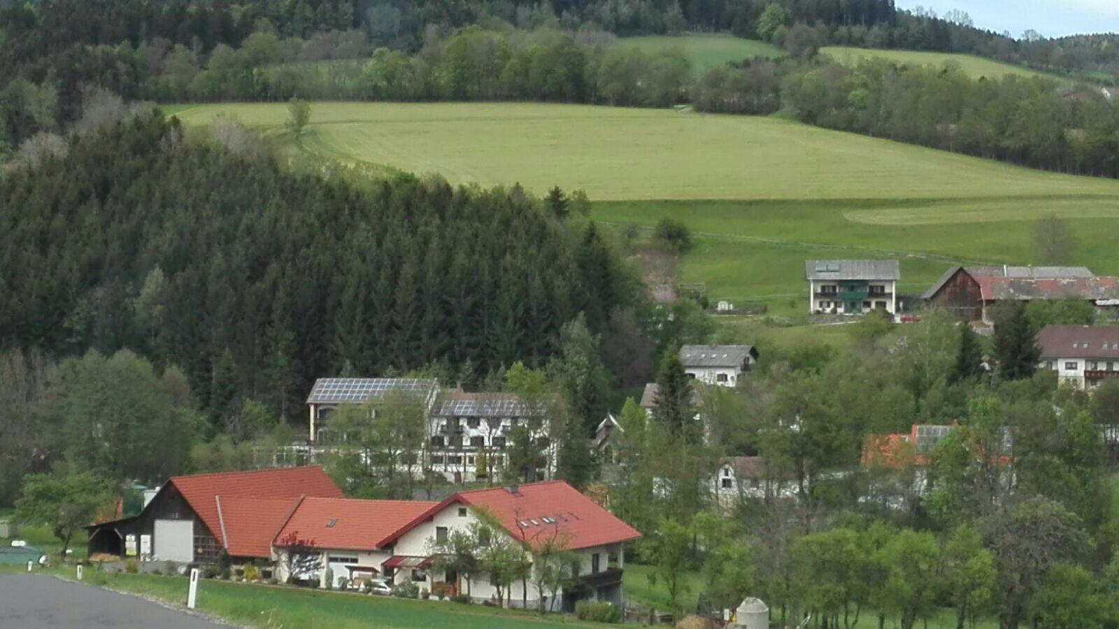 C_Auszeitplatz gr Haus Photovoltaik