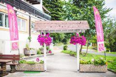 2019_Auszeitplatz_Durchgang-Blumen-sommer