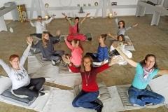 Auszeitplatz_Gruppen-Meditation-mit-Bhakti-Devi