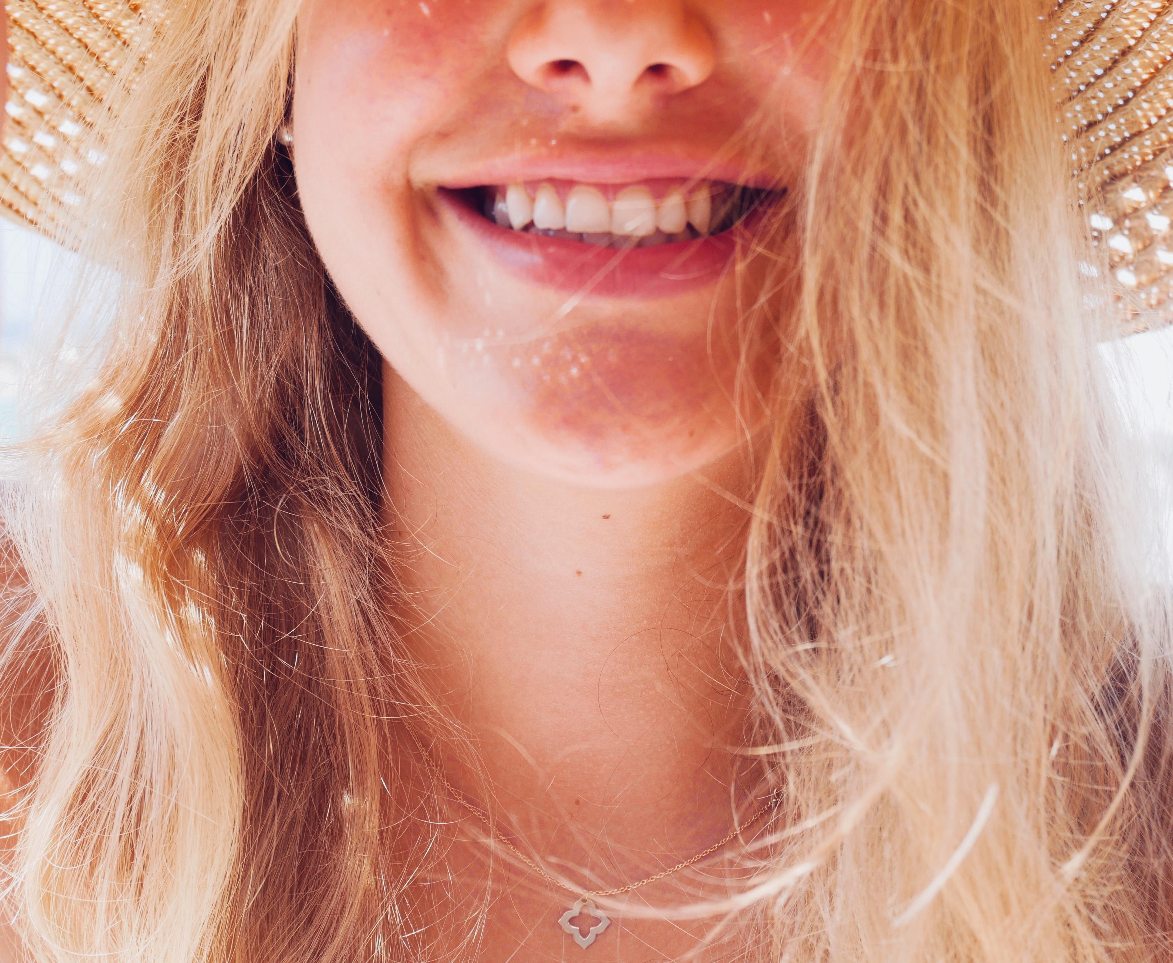 Lippen Yoga und lächeln macht glücklich und schön