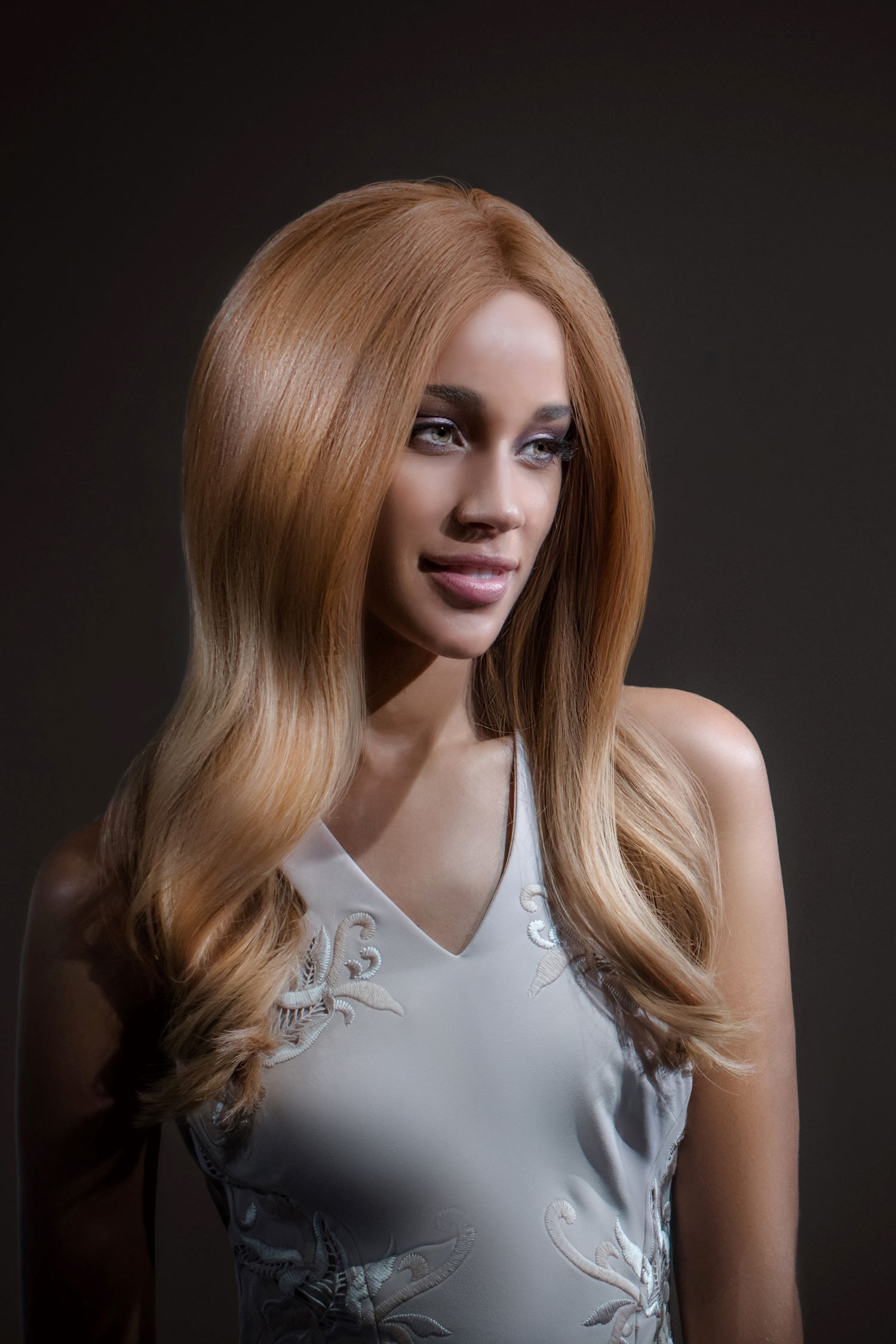 Amber Luxury Full Lace Blonde Ombre Wig- 360 Frontal Lace 9