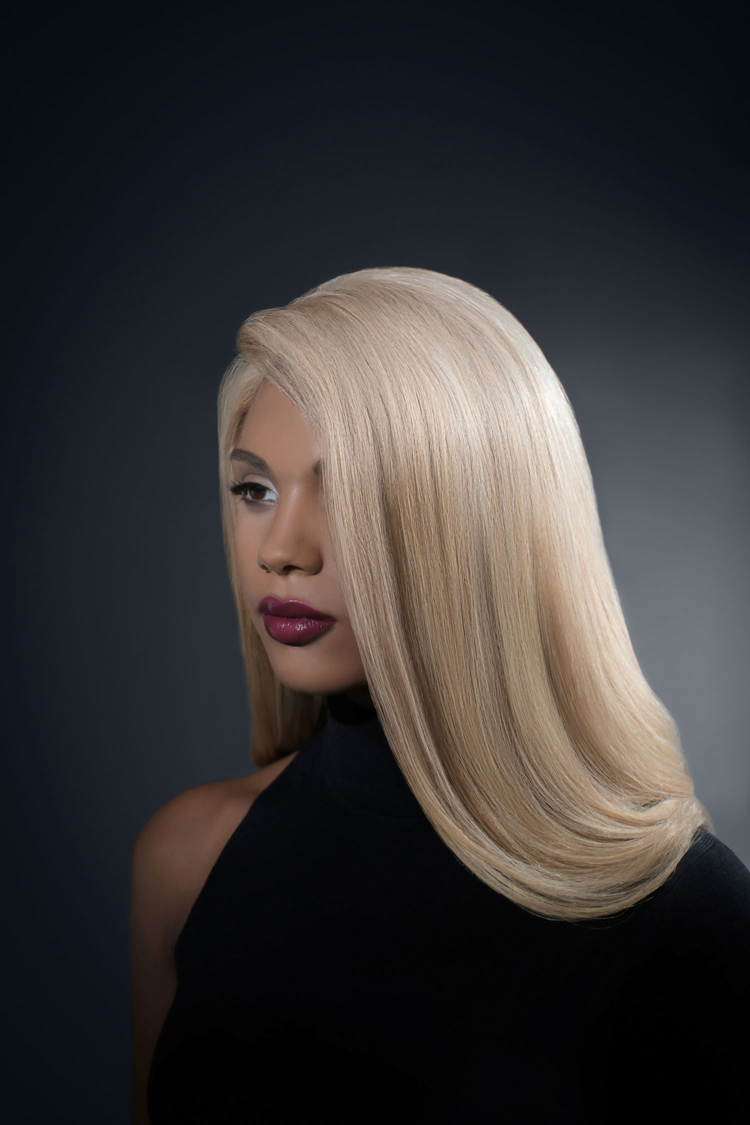 Vertigo Luxury Full Lace Platinum Blonde Wig – 360 Frontal Lace 3