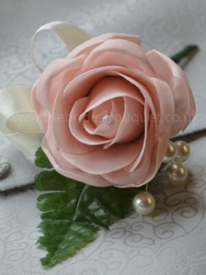 Mothers - Single Flower Buttonholes