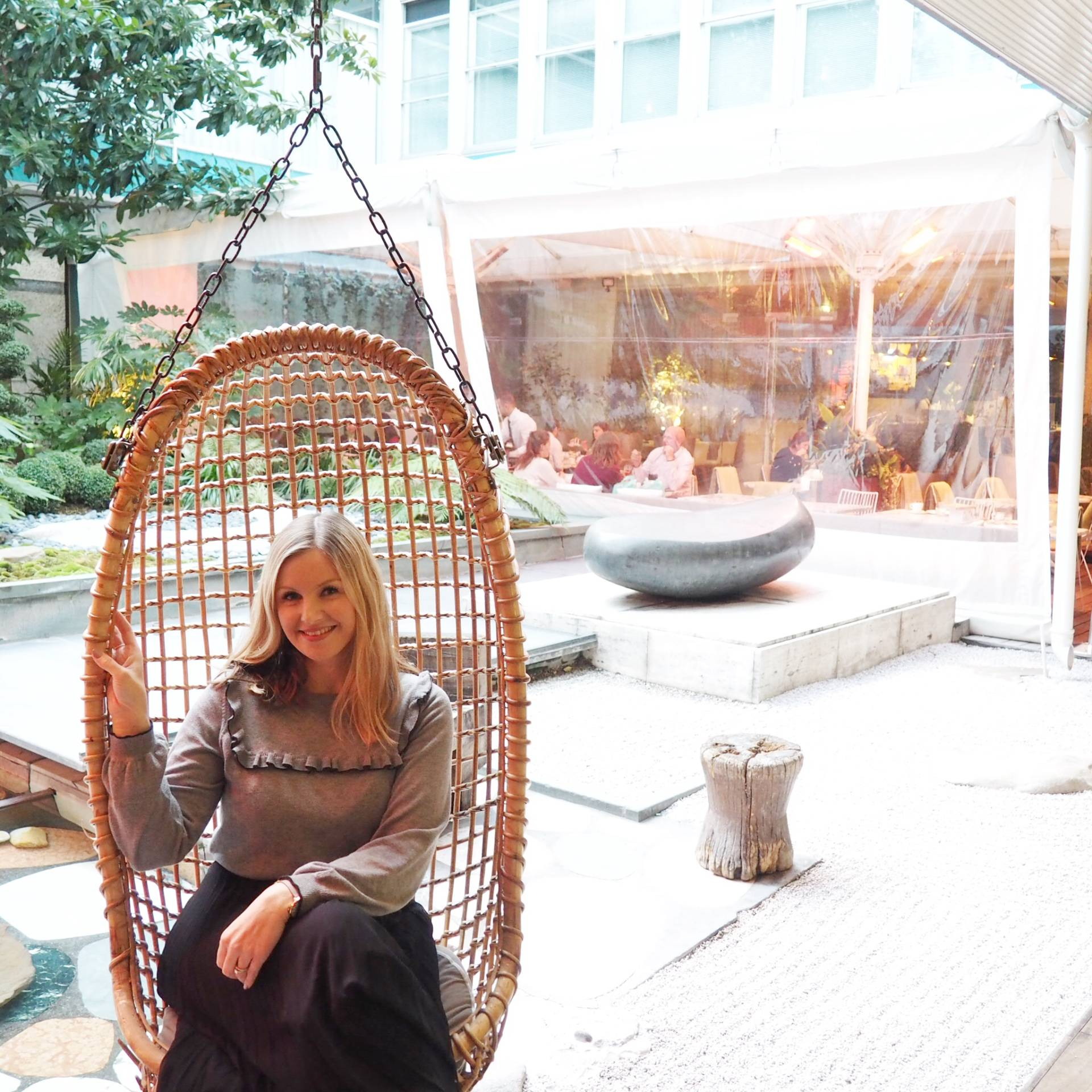 Mad-Hatters-Tea-Party-Sanderson-Hotel-London-Review