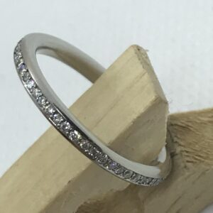 Stunning diamond ring platinum