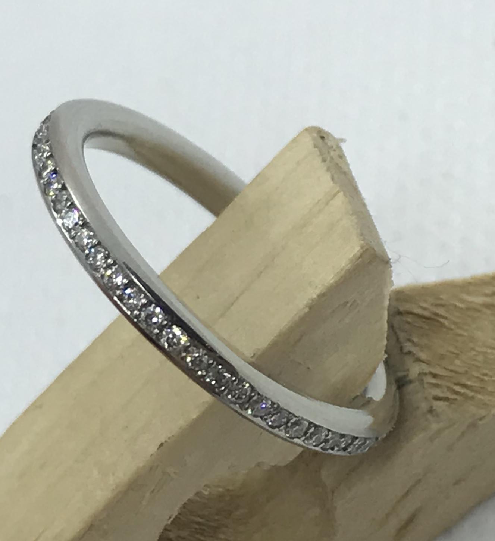 Stunning diamond ring platinum