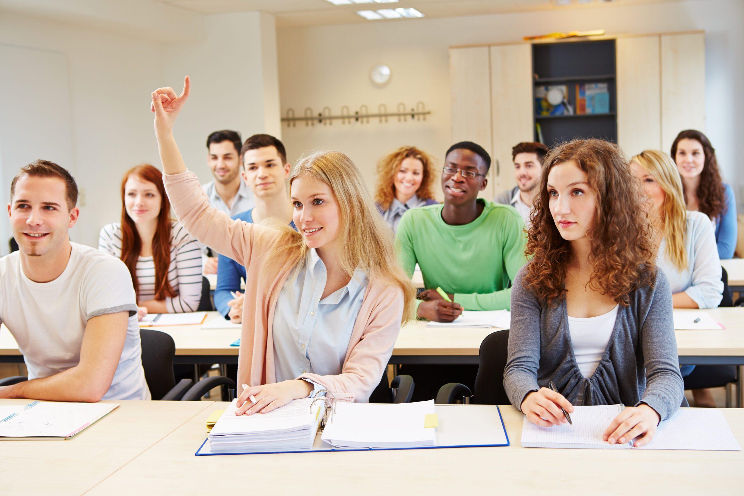 MadeToGrow - Adults studying