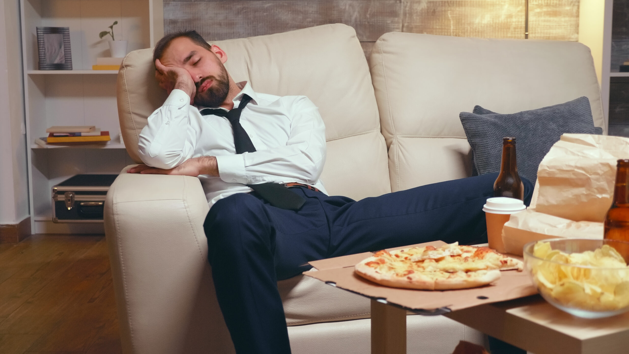 MadeToGrow - Tired business man