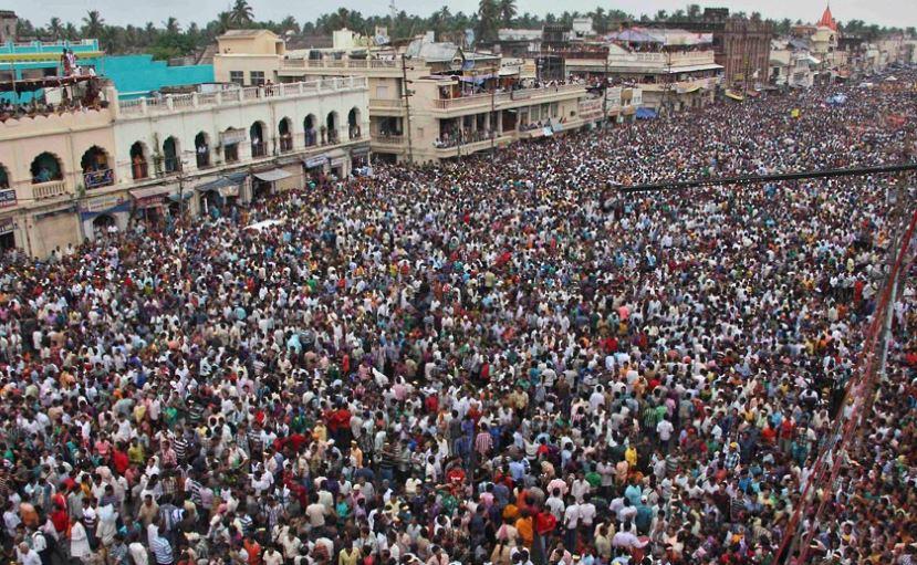 puri crowd during rath yatra