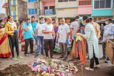 Huge response for cleanliness drive in Bhubaneswar's old town area