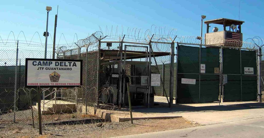 Guantanamo prison for serious criminal court cases
