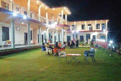 Hotel Mountain Track Balakot