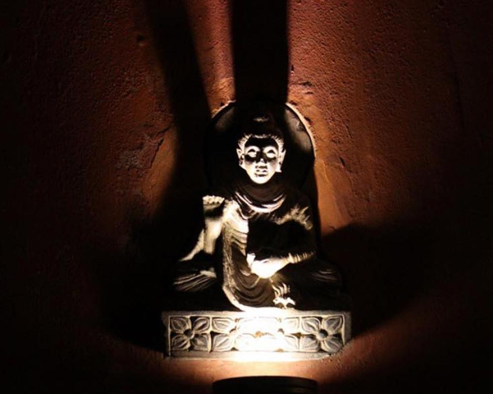 Statue in Cooco's Den