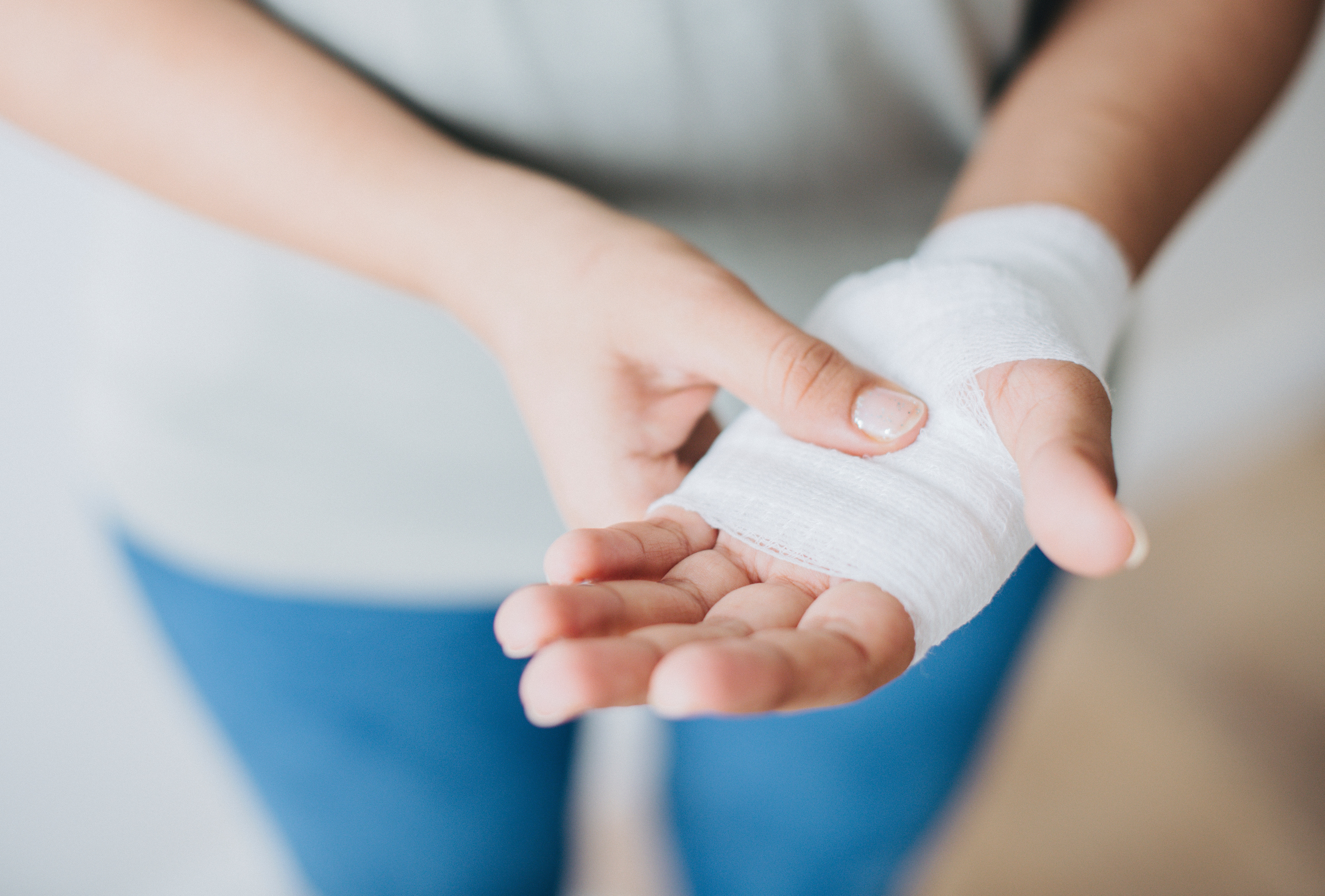 4 most common causes of Hand pain and wrist pain