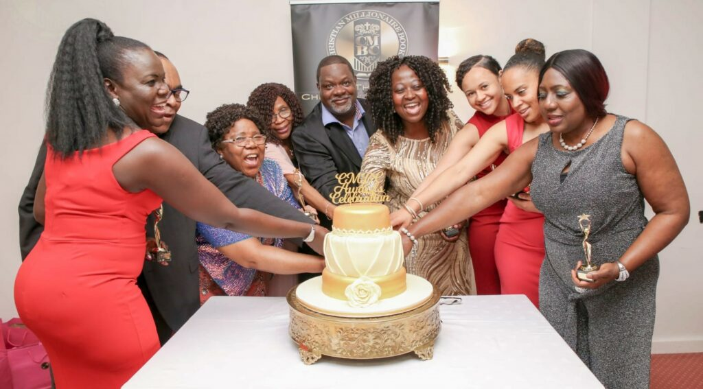 Group photo cake cutting