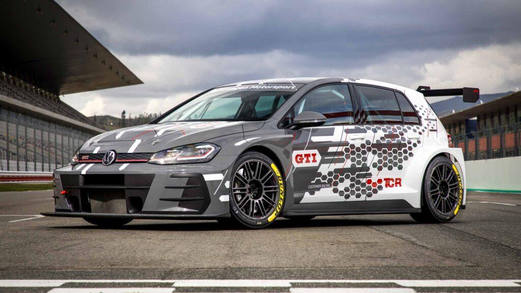 VW Golf GTI TCR with Öhlins Race Shocks