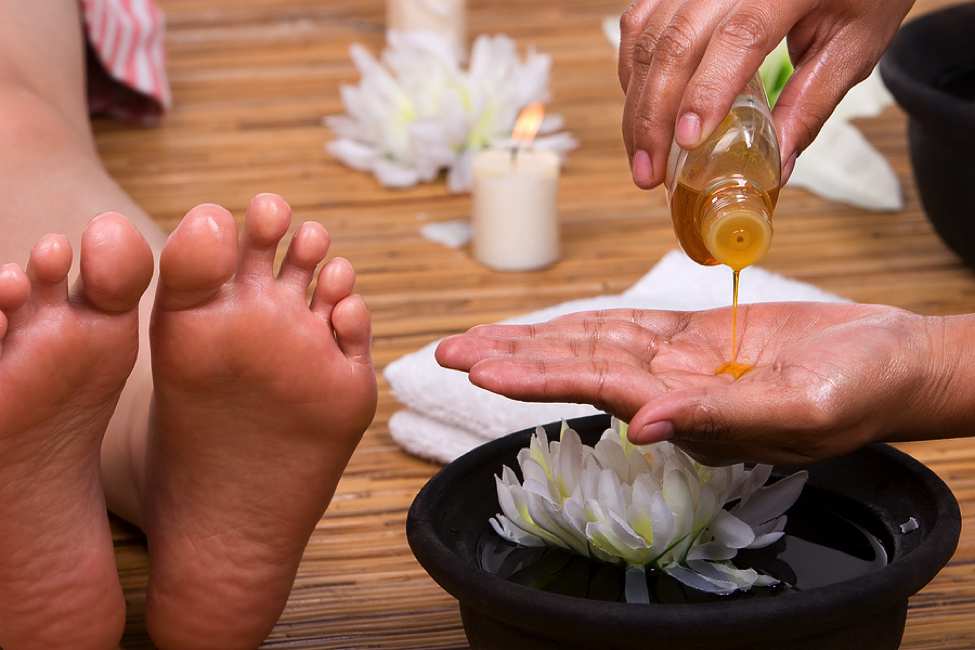 Helpful Tips On How To Massage Feet With Oil