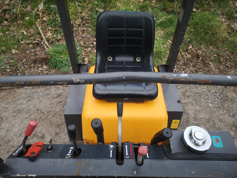 Used Yamaguchi WB07 Sit On Tracked Dumper For Sale