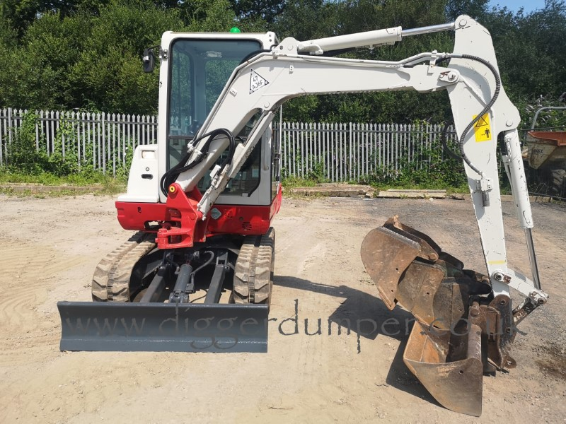 Used Takeuchi TB228 3 Tonne Mini Digger for Sale in the UK
