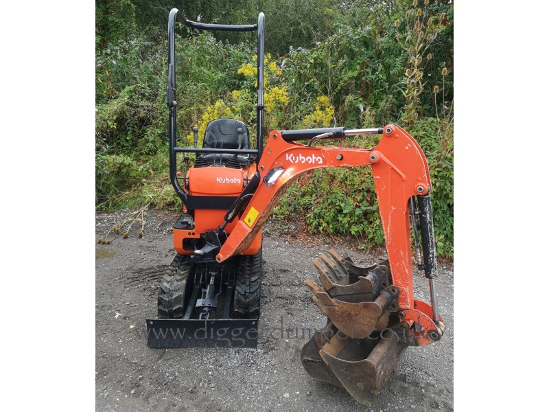 Used Kubota K008-3 Micro Excavator with Expanding Tracks for sale in the UK