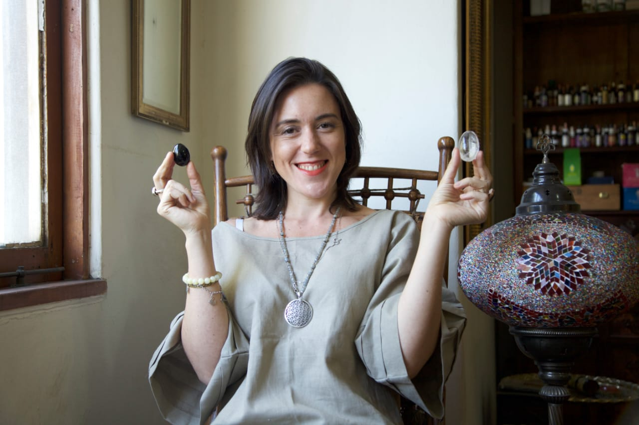 Sofia Knakal – Empoderando a través de Cristaloterapia