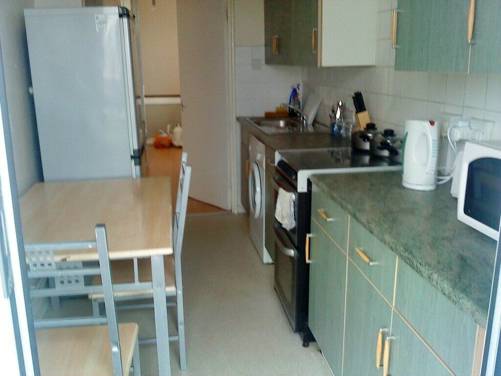 2 double sized bedrooms flat to rent in Bow E3, zone2