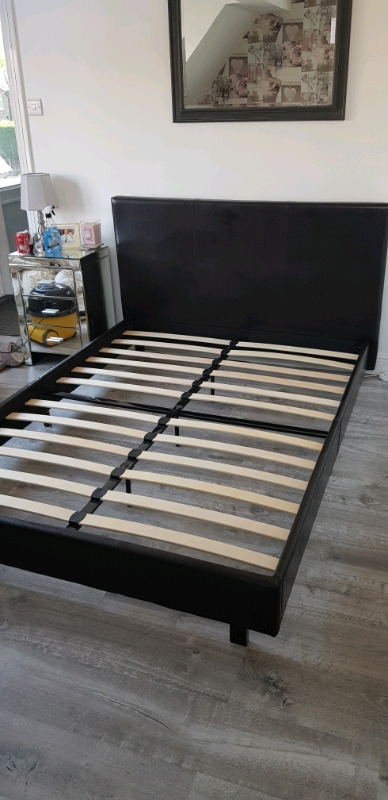 Double bed frame with out mattress