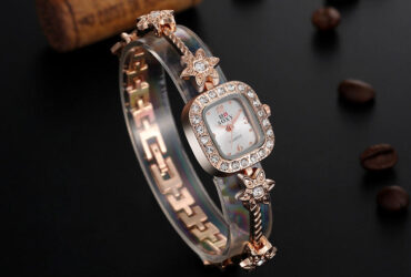 Crystal Shining Women Bracelet Watch Square Dial Quartz Watches