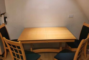 Solid wood extendable dining table + 4 chairs