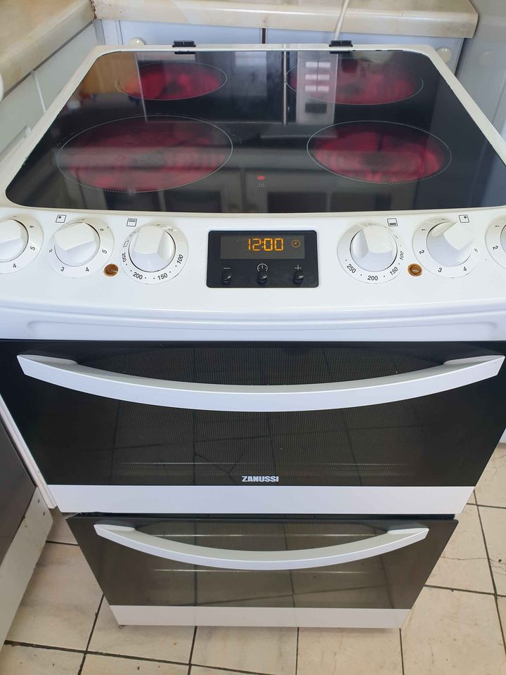 ZANUSSI ELECTRIC COOKER CERAMIC HOBS 55CM DOUBLE OVEN FAN WITH TIMER PERFECT WORKING CONDITION