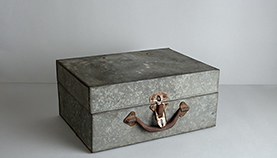 tin box - 1947 archives