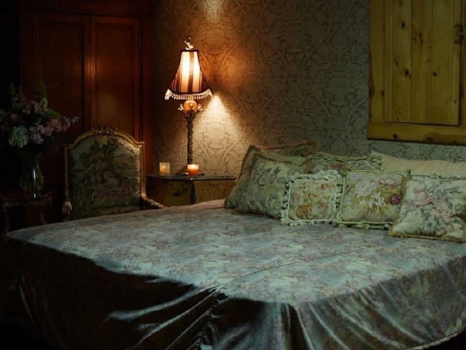 Versailles bedroom