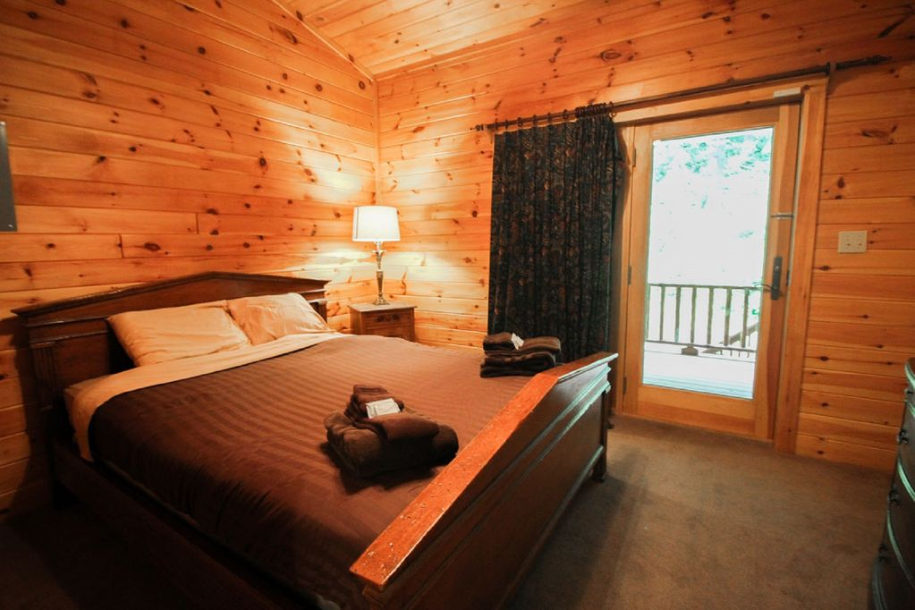 Lodges King Room
